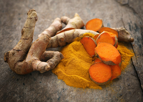 Turmeric root and turmeric powder